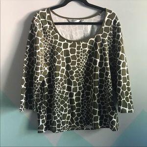 Liz Claiborne sz xl giraffe animal print top